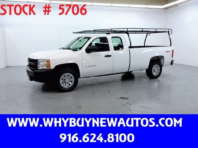Photo 2010 Chevrolet Silverado 1500  4x4  Extended Cab  Only 53K Miles
