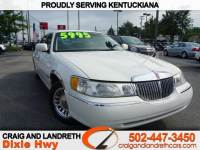 2000 Lincoln Town Car 4dr Sdn Signature
