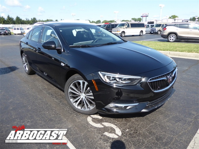 Photo New 2018 Buick Regal Essence With Navigation