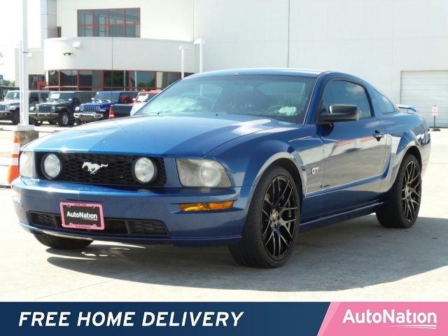 Photo 2007 Ford Mustang GT Premium 2dr Car