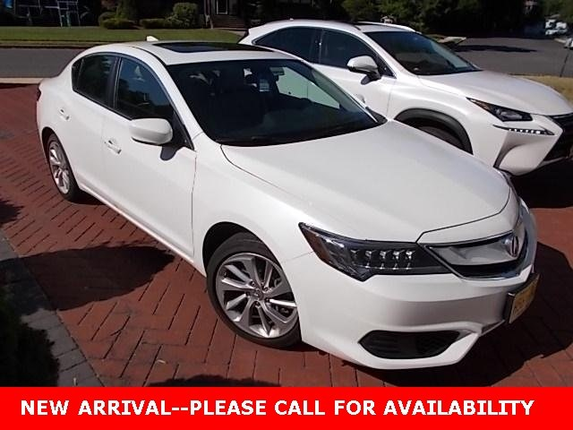 Photo Used 2016 Acura ILX 2.4L Sedan FWD for Sale in Stow, OH