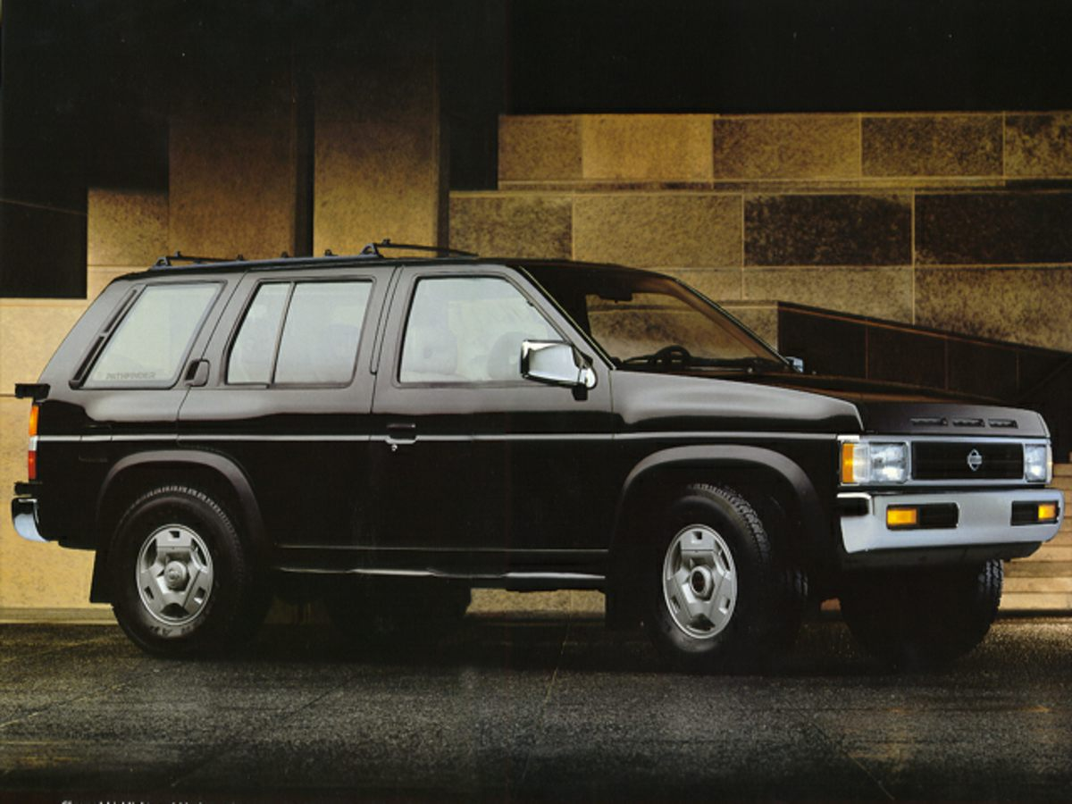 Photo Pre-Owned 1993 Nissan Pathfinder XE 4WD