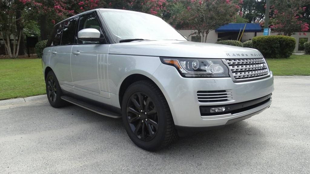 Photo Certified Pre-Owned 2014 Land Rover Range Rover 3.0L V6 Supercharged HSE With Navigation  4WD