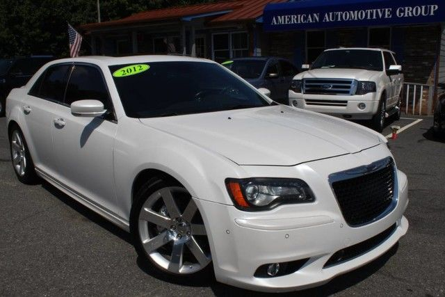 Photo 2012 Chrysler 300 SRT8