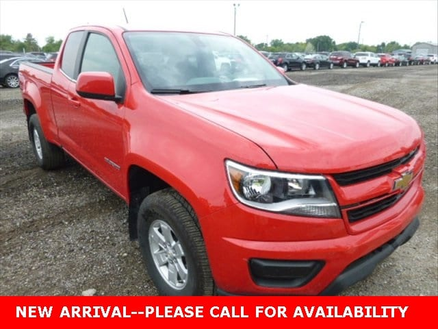 Photo Used 2016 Chevrolet Colorado Work Truck Truck 4WD for Sale in Stow, OH