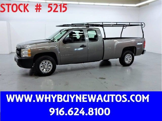 Photo 2009 Chevrolet Silverado 1500  4x4  Extended Cab  Only 71K Miles