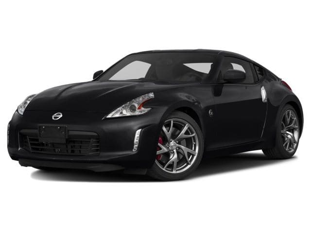 Photo Used 2017 Nissan 370Z Coupe for Sale in Fresno, CA