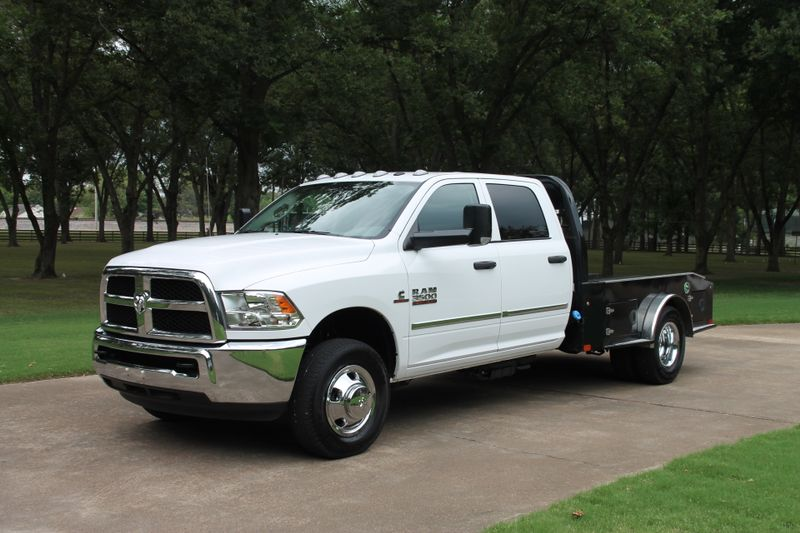 Photo Used 2018 Ram 3500 Crew Cab 4WD Flat Bed Diesel