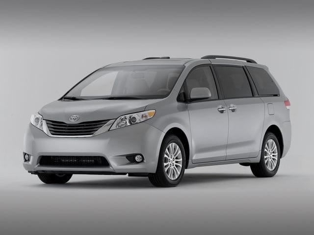 Photo Used 2015 Toyota Sienna LE Van For Sale on Long Island, New York