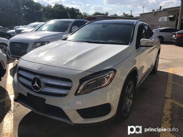 Photo 2015 Mercedes-Benz GLA-Class GLA 250 SUV in San Antonio
