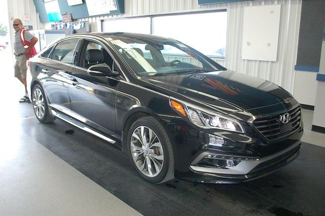 Photo 2015 Hyundai Sonata Limited 2.0T NAVI PANO ROOF LEATHER BLIND SPOT