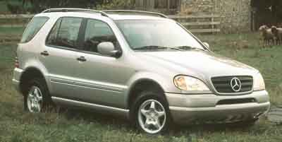 Photo Pre-Owned 2000 Mercedes-Benz M-Class 4WD Sport Utility
