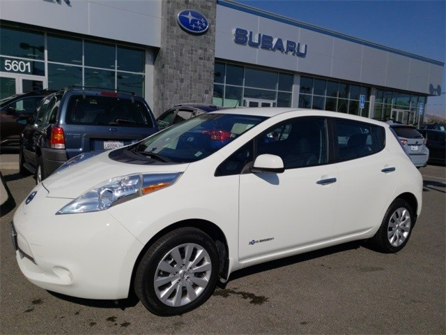 Photo Used 2015 Nissan Leaf S for sale in Fremont, CA