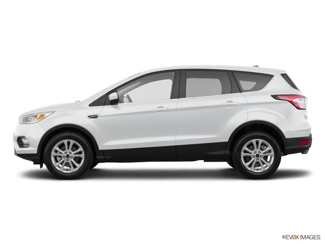 Photo Used 2017 Ford Escape SE for Sale in Medford, OR