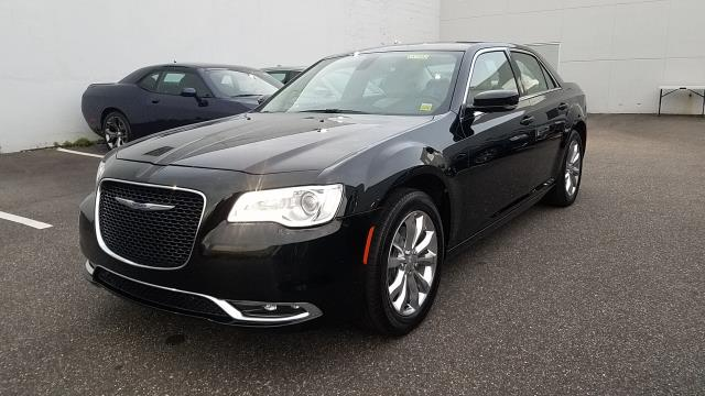 Photo Certified Used 2016 Chrysler 300 Limited Sedan For Sale  Hempstead, Long Island, NY