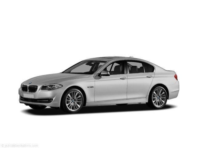 Photo Used 2011 BMW 5 Series 528i Sedan for Sale in Los Angeles