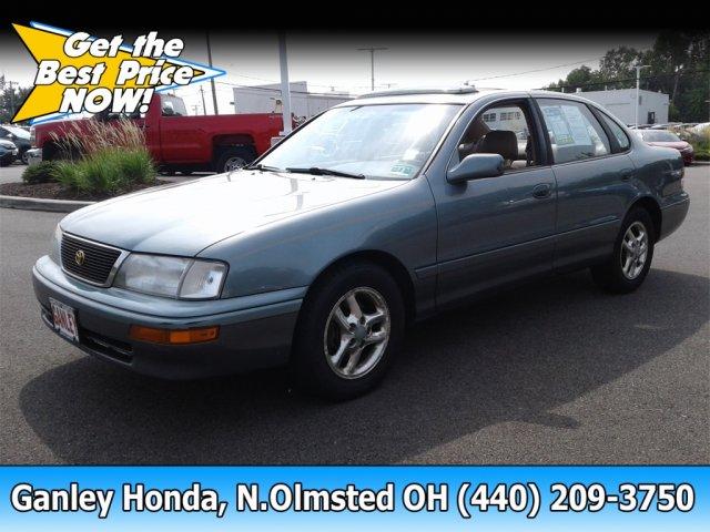 Photo 1996 Toyota Avalon XLS Sedan