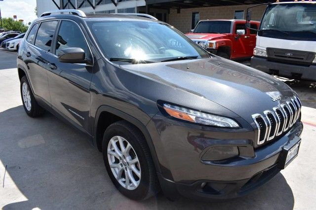 Photo 2016 Jeep Cherokee Latitude W Navigation
