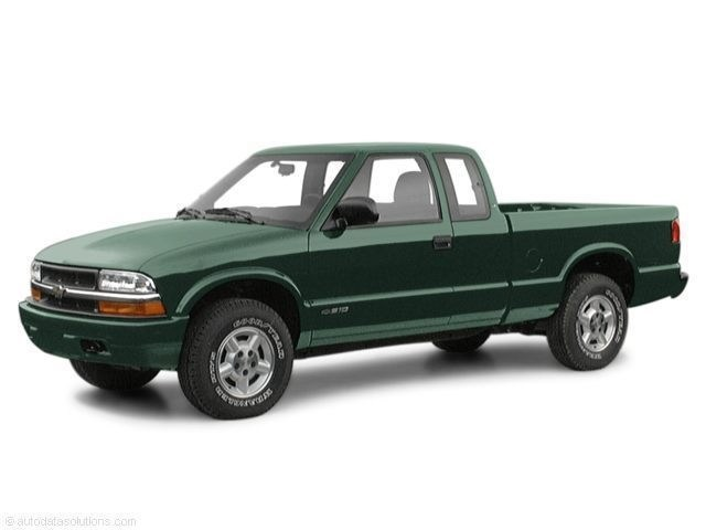 Photo Pre-Owned 2001 Chevrolet S-10 LS Ext Cab 123 WB LS in Jacksonville FL