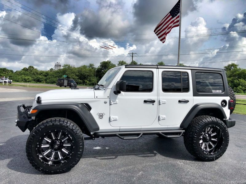 Photo Used 2018 Jeep All-New Wrangler Unlimited CUSTOM LIFTED LEATHER HARDTOP SPORT 24S
