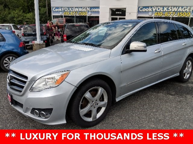 Photo Used 2011 Mercedes-Benz R-Class R 350 4MATIC SUV  Aberdeen