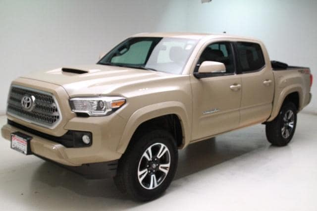 Photo Used 2016 Toyota Tacoma TRD Off Road V6 in Brunswick, OH, near Cleveland