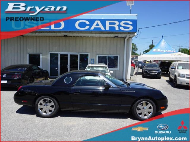 Photo Used 2002 Ford Thunderbird wHardtop Deluxe For Sale in Metairie, LA