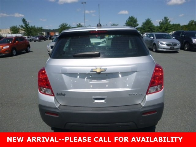 Photo Used 2015 Chevrolet Trax LS SUV FWD for Sale in Stow, OH