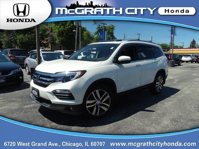 Photo Used 2017 Honda Pilot For Sale  Chicago IL