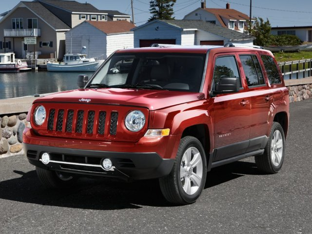 Photo Used 2013 Jeep Patriot Latitude 4WD Latitude in Utica, NY