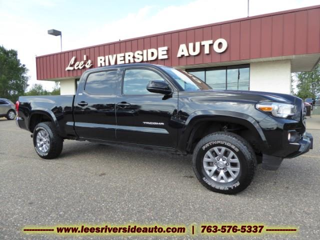 Photo 2017 Toyota Tacoma SR5 Double Cab Super Long Bed V6 6AT 4WD