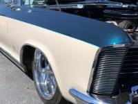 1965 Buick Riviera -401 NAILHEAD ENGINE SLAMMED ON AIR RIDE-PRO TOURING
