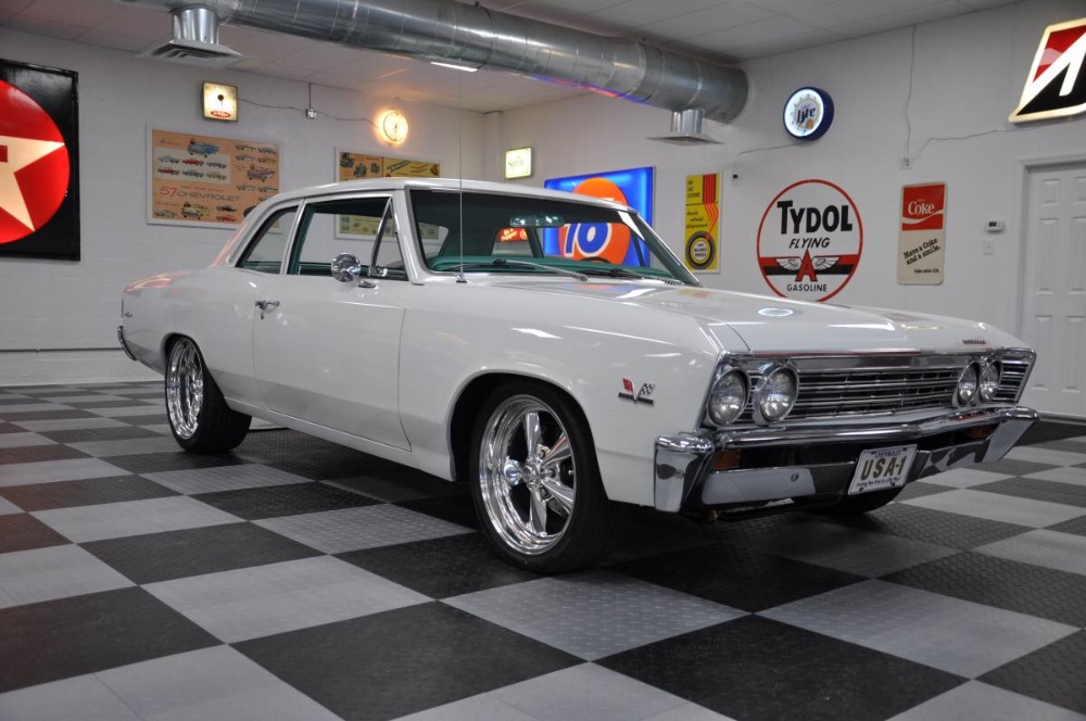 Photo 1967 Chevrolet Chevelle -PRO TOURING BIG BLOCK RIDE TECH SUSPENSION-MUST SEE-