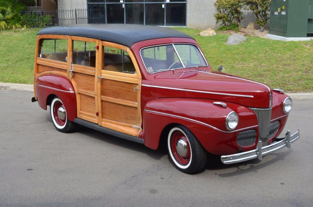 Photo 1941 Ford Station wagon -DELUXE- MODEL-RARE OLDER RESTORATION-NO RUST-