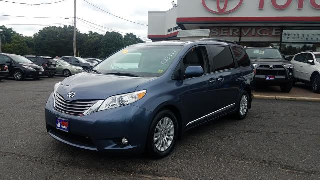 Photo Certified Used 2016 Toyota Sienna XLE 8 Passenger Van For Sale on Long Island, New York