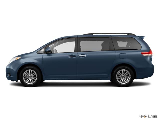 Photo 2014 Toyota Sienna XLE Navigation, DVD, Sunroof  BS Monitor Van Front-wheel Drive 4-door