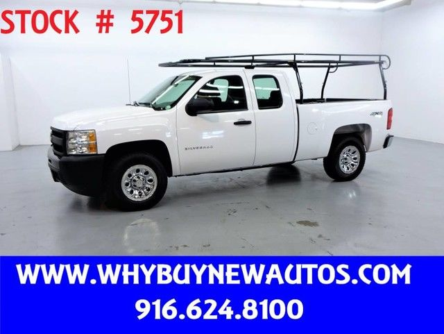 Photo 2011 Chevrolet Silverado 1500  4x4  Extended Cab  Only 48K Miles