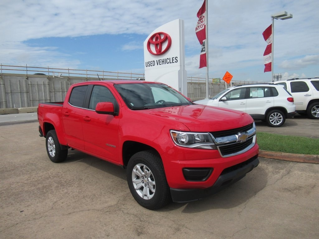 Photo Used 2018 Chevrolet Colorado LT Truck 4WD For Sale in Houston