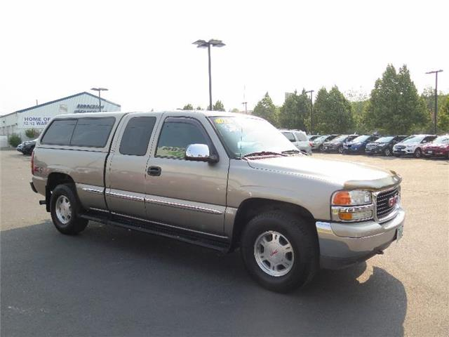 Photo Used 2001 GMC Sierra 1500 SLE Extended Cab For Sale Bend, OR