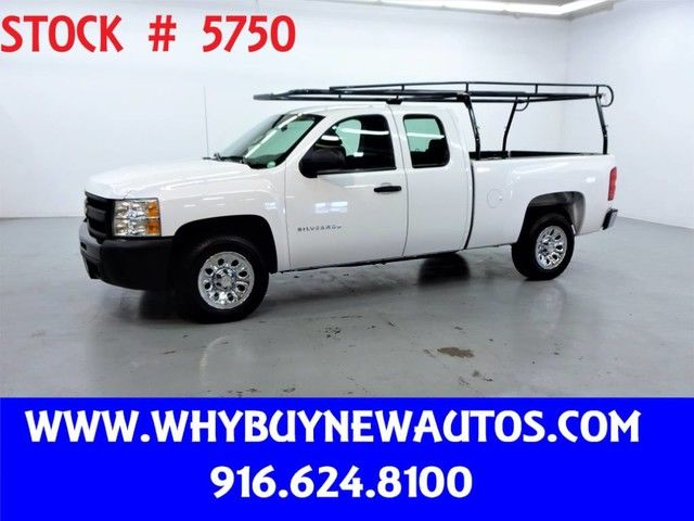 Photo 2011 Chevrolet Silverado 1500  Extended Cab  Only 41K Miles
