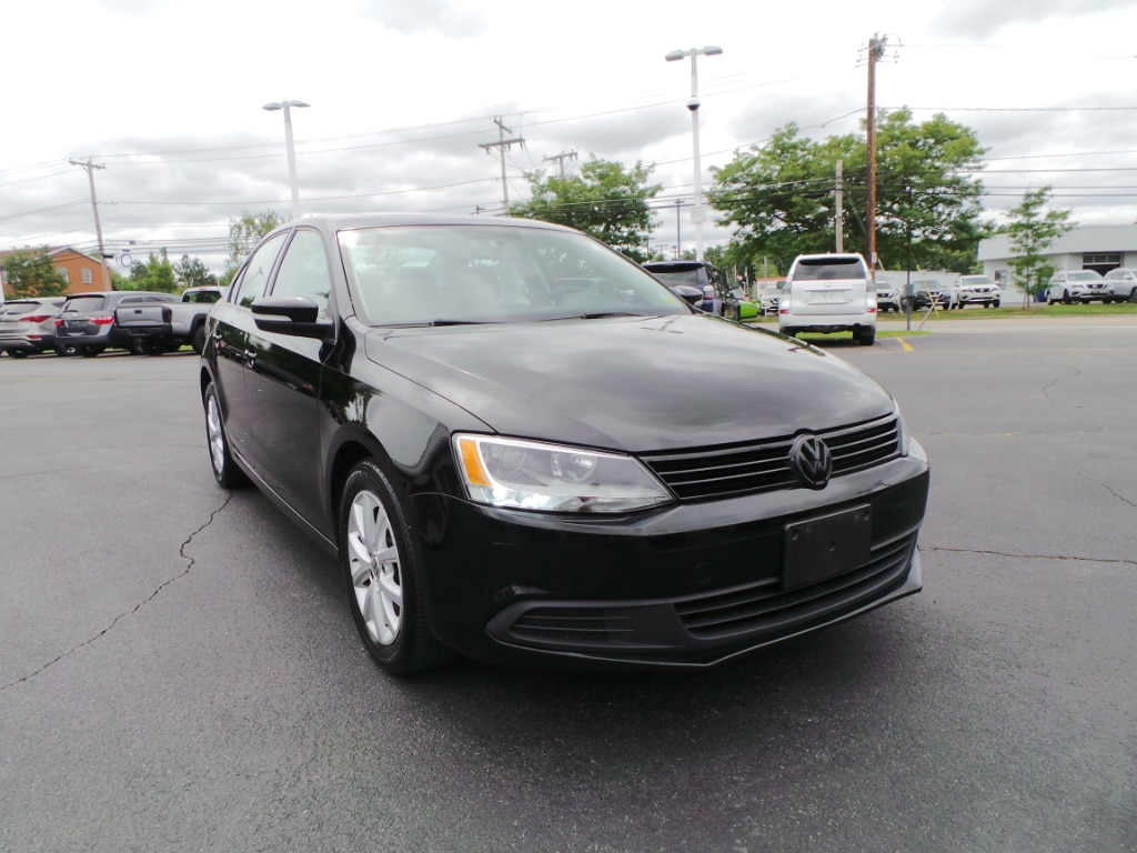 Photo 2012 Volkswagen Jetta 2.5L SE w Conv.  Roof Sedan