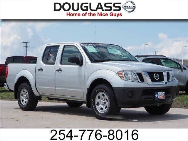 Photo Certified Pre-Owned 2014 Nissan Frontier S 4x4 Crew Cab 4.75 ft. box 125.9 in. WB Four Wheel Drive CR