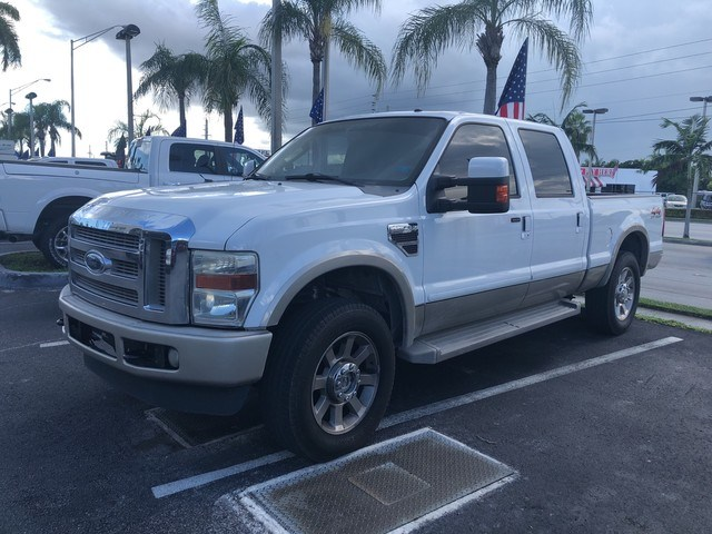Photo Used 2008 Ford Super Duty F-250 SRW King Ranch Pickup Truck in Miami