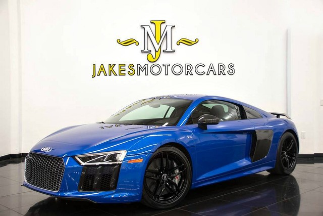 Photo 2017 Audi R8 V10 Plus Coupe 200,925 MSRP...ONLY 375 MILES