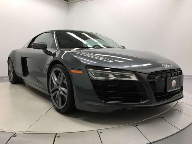 Photo Used 2015 Audi R8 V8 Coupe Quattro S tronic Coupe in Danbury, CT