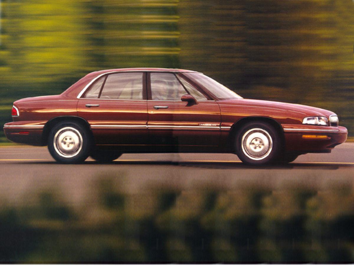 Photo Used 1998 Buick Lesabre Custom Sedan in Burton, OH