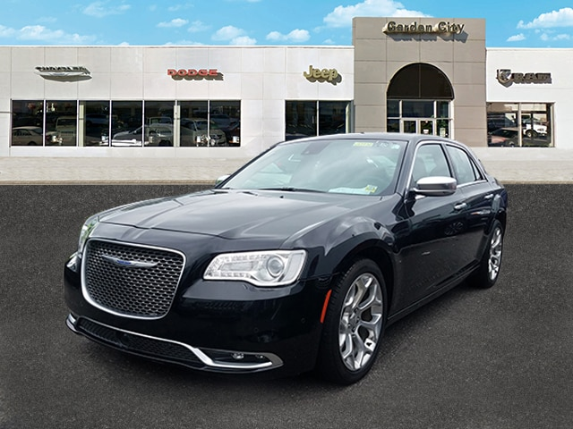 Photo Certified Used 2018 Chrysler 300 300C 300C RWD For Sale  Hempstead, Long Island, NY
