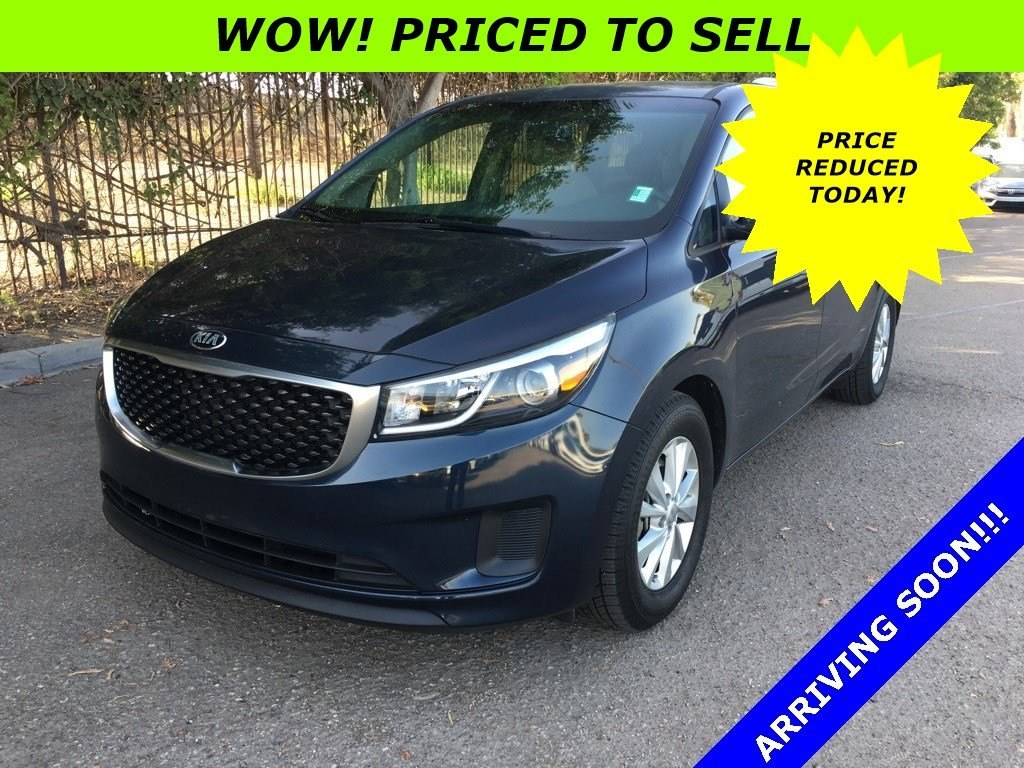 Photo Used 2015 Kia Sedona LX in Oxnard CA