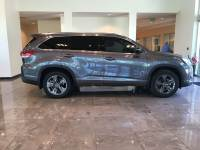 Pre-Owned 2017 Toyota Highlander Limited AWD