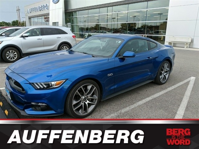 Photo Used 2017 Ford Mustang GT Premium Coupe V8 Ti-VCT for sale in OFallon IL